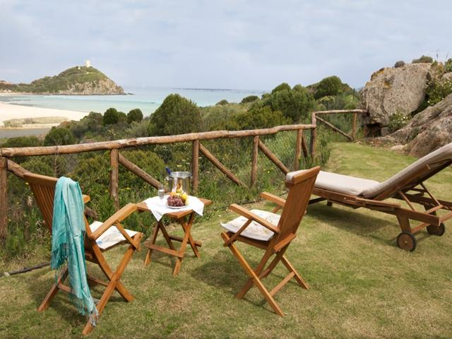 chia - vakantiehuisjes aan zee - sardinie (3).jpg