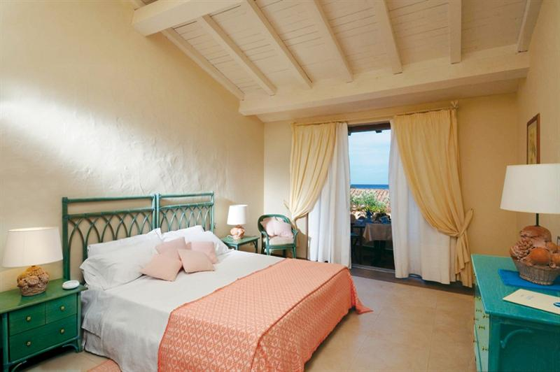 beach hotel sardinie - due lune spa en golf (2).jpg