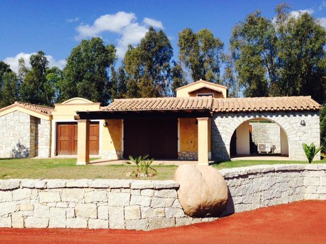 sardinie - luxe vakantiehuis sardinie vlakbij strand.jpg