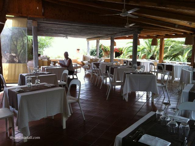 baia salinedda restaurant.jpg