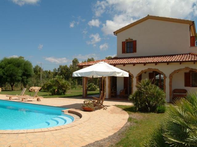 vakantiehuis sardinie - villa ulivo met zwembad - alghero (4).jpg