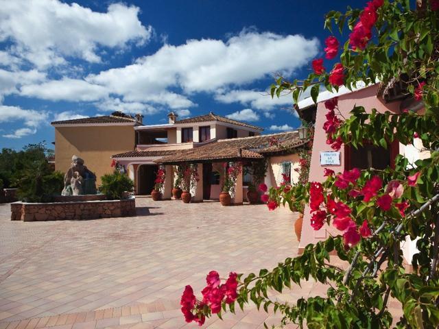 vakantie orosei sardinie - hotel resort i giardini di cala ginepro (7).jpg