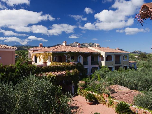vakantie orosei sardinie - hotel resort i giardini di cala ginepro (6).jpg