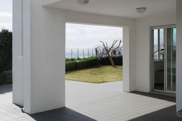 vakantiehuis sardinie met zwembad aan zee (3).jpg