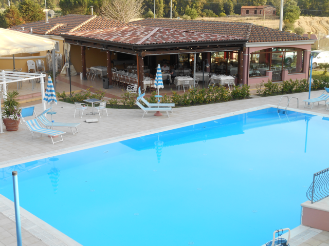 rejna_hotel_residence_sardinie_sardinia4all.png
