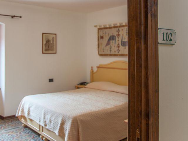 hotel-sa-mola-bonarcado-sardinie (2).jpg