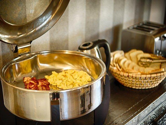 eliantos-hotel-inclusief-ontbijt.jpg