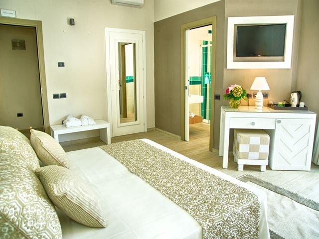 suite-in-boutique-hotel-eliantos-sardinie (2).jpg