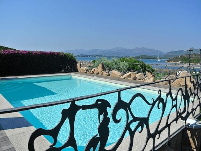 vakantiehuis-sardinie-met-zwembad (1).png