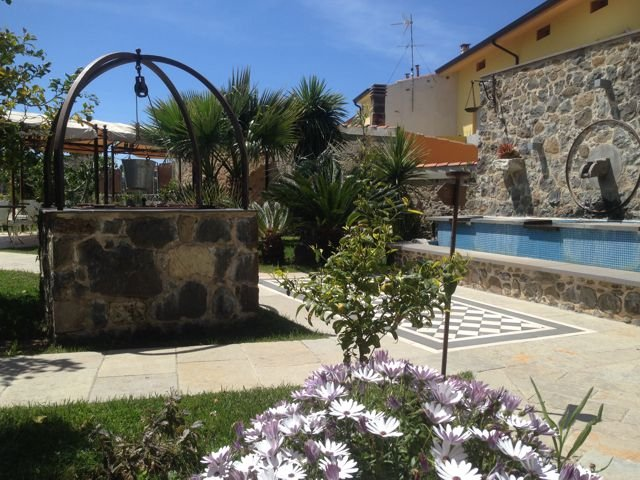 charme-hotel-sardinie-maison-tresnuraghes (24).jpg