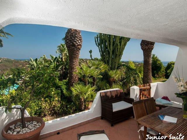 hotel-porto-cervo-balocco-junior-suite3.jpg