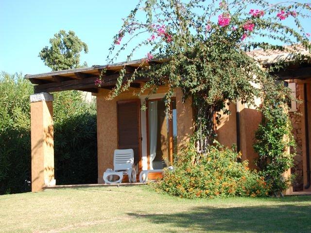 vakantiehuis sardinie - villa baia chia - villas sardinia (3).jpg