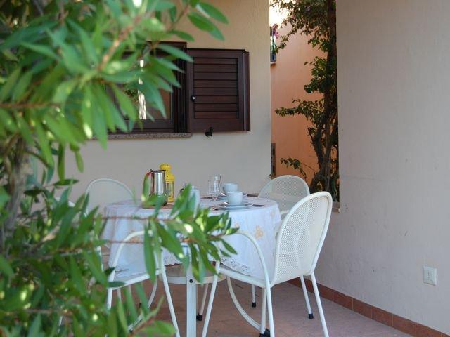 sardinie-vakantiehuisje-voor-vier-tot-zes-personen (17).jpg