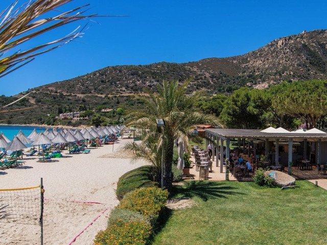 hotel cormoran beachbar 3.jpg