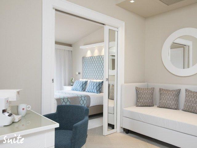 hotel cormoran suite 3.jpg