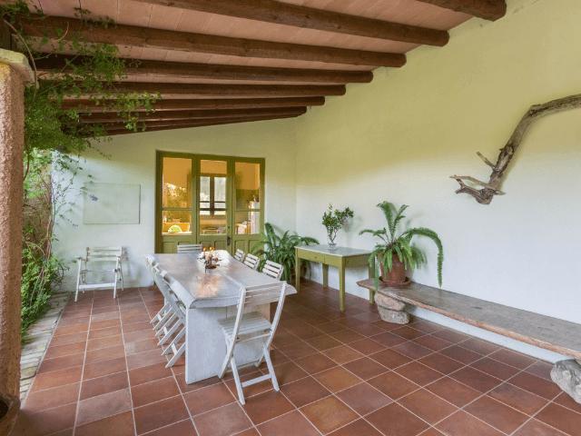 lananai heeft een groot terras - sardinia4all (1).png