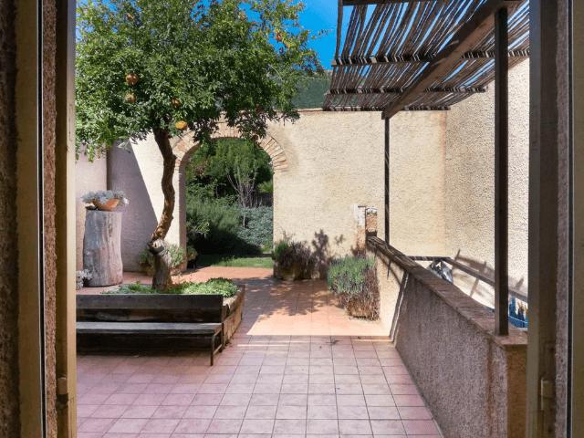 lananai - kamer rosa - sardinia4all (5).png