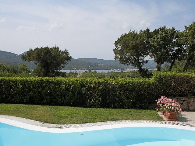 vakantiehuis-porto-rotondo-sardinie-met-zwembad (4).png