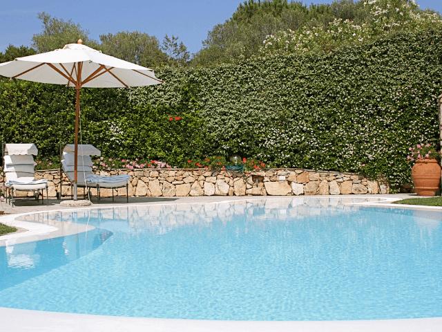 vakantiehuis-porto-rotondo-sardinie-met-zwembad (5).png