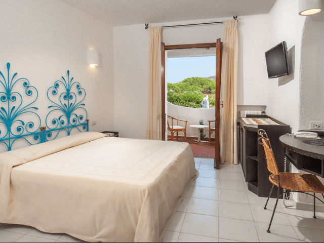 hotel-baja-sardinia-hotel-punta-est (12).png