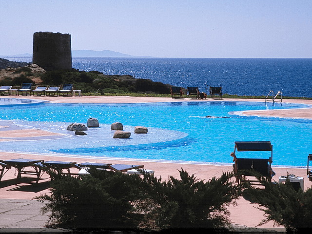 hotel-torreruja-isola-rossa-sardinia4all (9).png