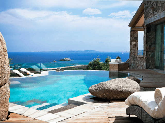 luxe hotel sardinie - valle dell erica - sardinia4all (7).png