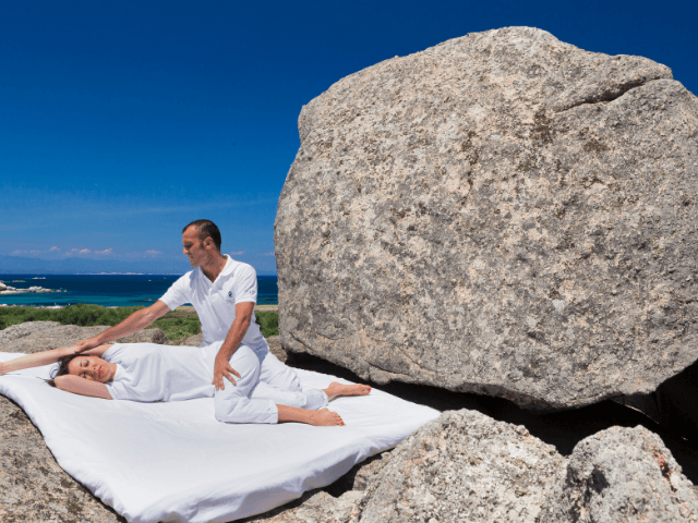 luxe vakantie sardinie - valle dell erica resort in palau (3).png
