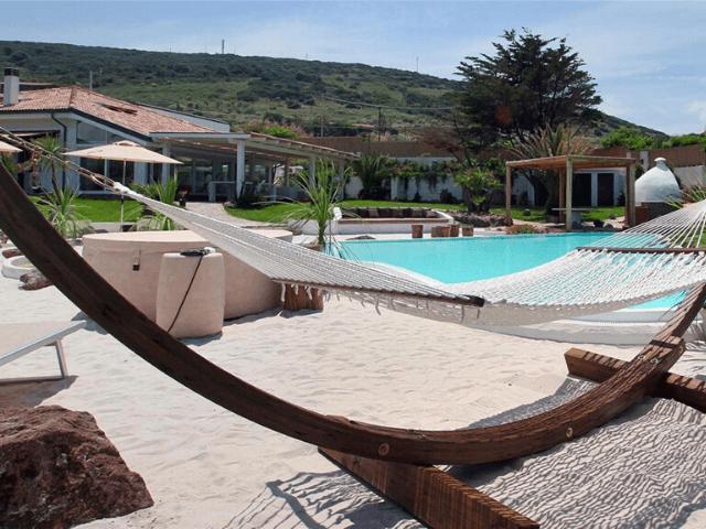 luxe vakantiehuis op sardinie voor tien personen - sardinia4all (2).png