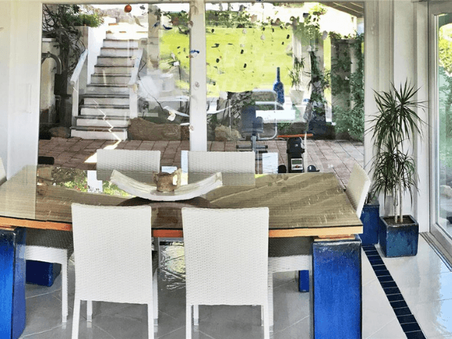 modern vakantiehuis aan zee op sardinie - villa castelsardo (4).png