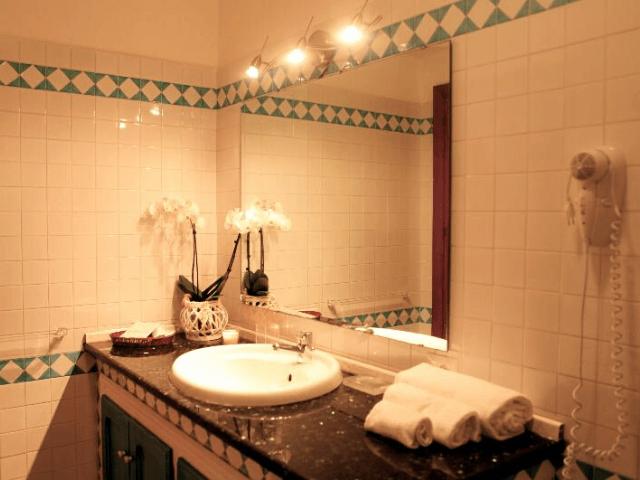 kleinschalig appartementen complex sardinie - villa antonina (11).png