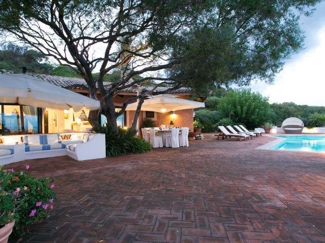 luxe villas sardinie- villa milaggiu - sardinia4all (8).jpg