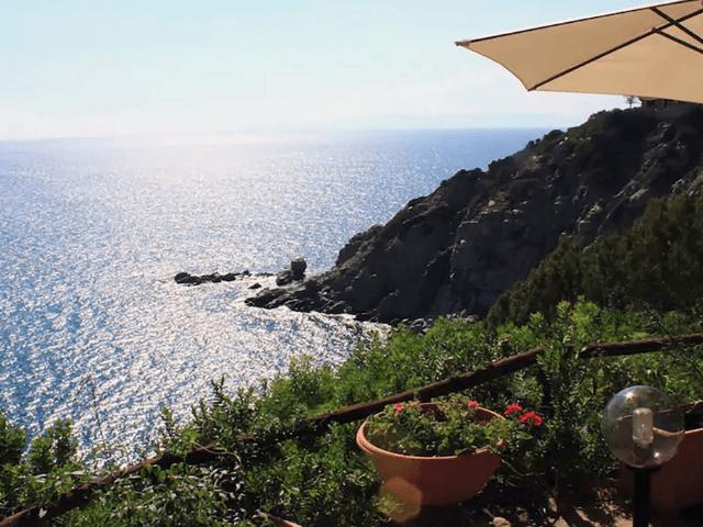 vakantiehuisje sardinie met zeezicht - casa delfino (7).png