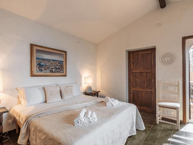luxe huis sardinie met zeezicht en zwembad (19).png