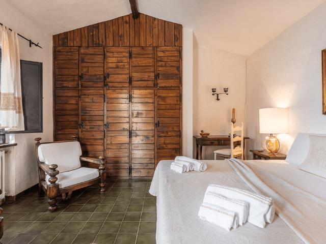 luxe huis sardinie met zeezicht en zwembad (18).png