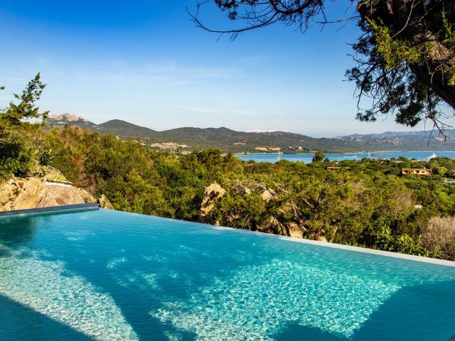vakantiehuis sardinie - villa smeralda met zwembad (18).png
