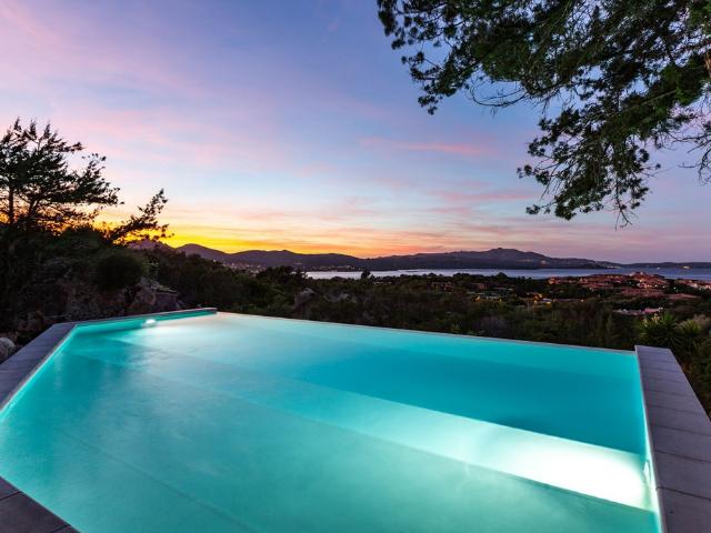vakantiehuis sardinie - villa smeralda met zwembad (3).png