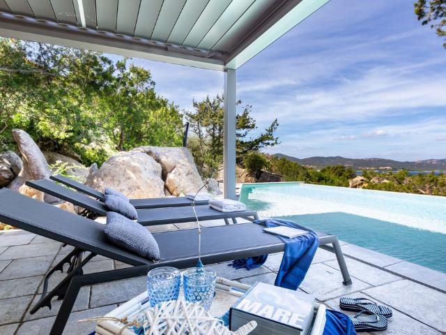 vakantiehuis sardinie - villa smeralda met zwembad (9).png