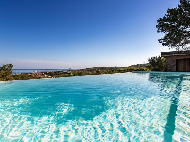 vakantiehuis sardinie - villa smeralda met zwembad (12).png