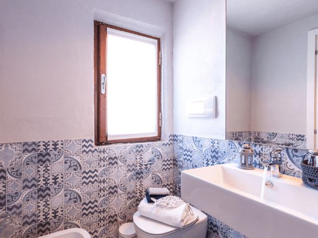 vakantiehuis sardinie - villa smeralda met zwembad (24).png
