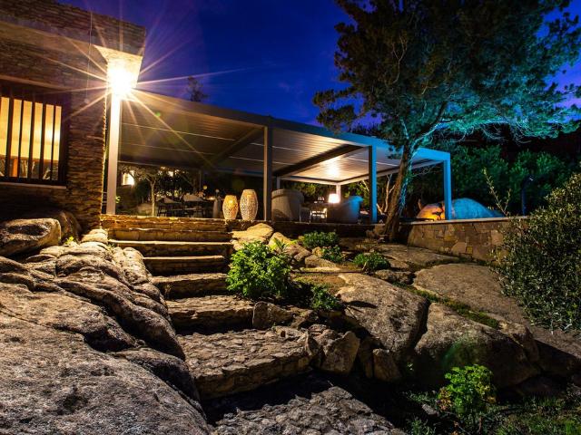 vakantiehuis sardinie - villa smeralda met zwembad (51).png