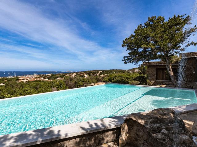 vakantiehuis sardinie - villa smeralda met zwembad (16).png