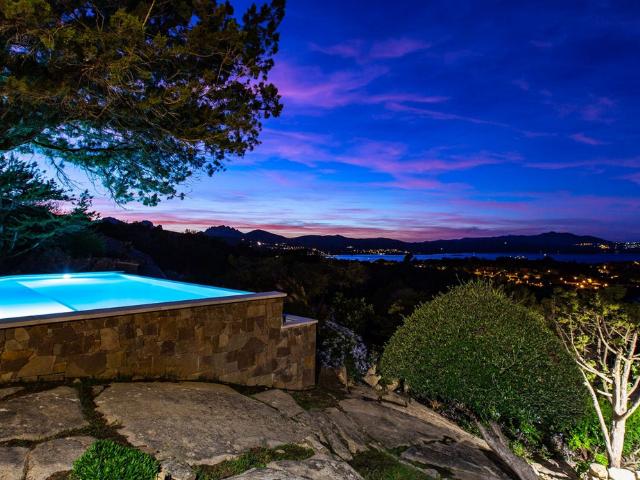 vakantiehuis sardinie - villa smeralda met zwembad (46).png
