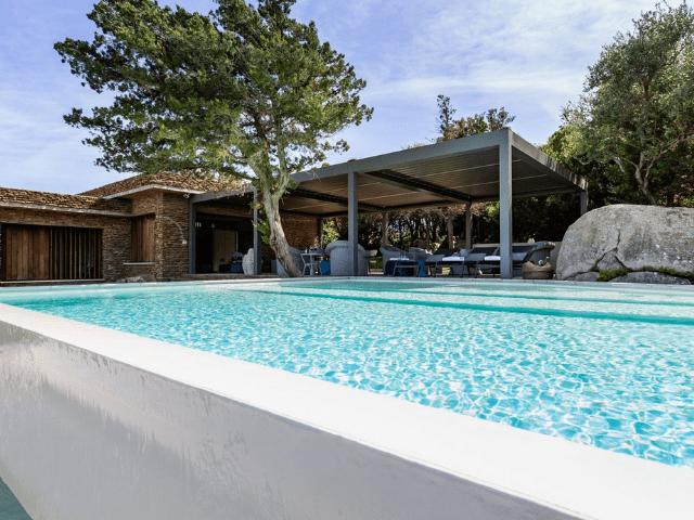 vakantiehuis sardinie - villa smeralda met zwembad (5).png