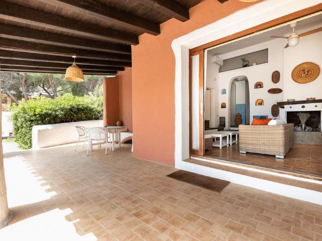 villa met zwembad in sardinie (13).png
