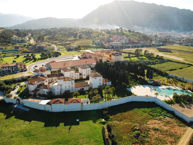 Luchtfoto - Tarthesh Hotel - Guspini - Sardinië