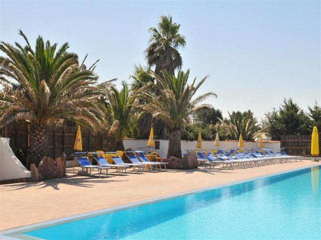 Zwembad - Vakantiepark & Camping Torre del Porticciolo in Alghero - Sardinië