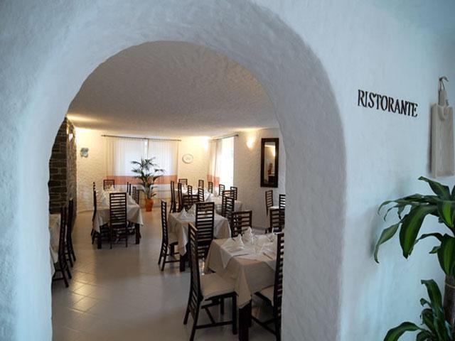 Restaurant - Hotel Cedrino in Dorgali - Sardinië