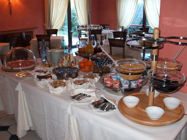 Ontbijtbuffet - Hotel Sa Contonera - Arbatax - Sardinie