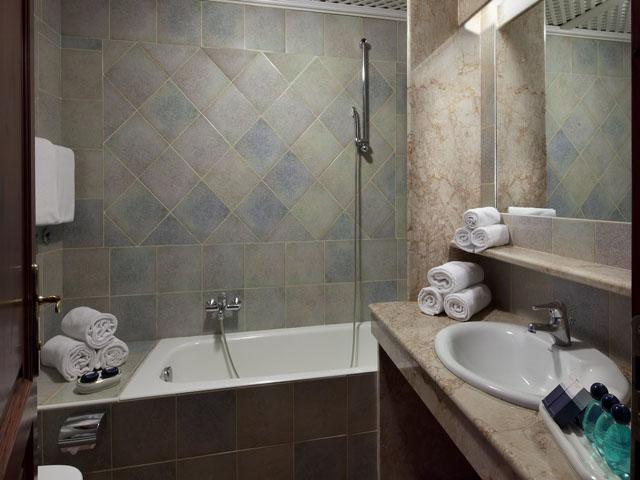 residence-sos-alinos-cala-ginepro-orosei_gallery_appartamenti-camere-01