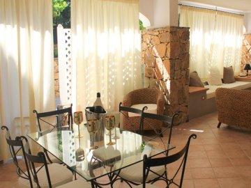 Vakantieparken sardini sardegna smeralda suite porto for Luxe vakantie appartementen
